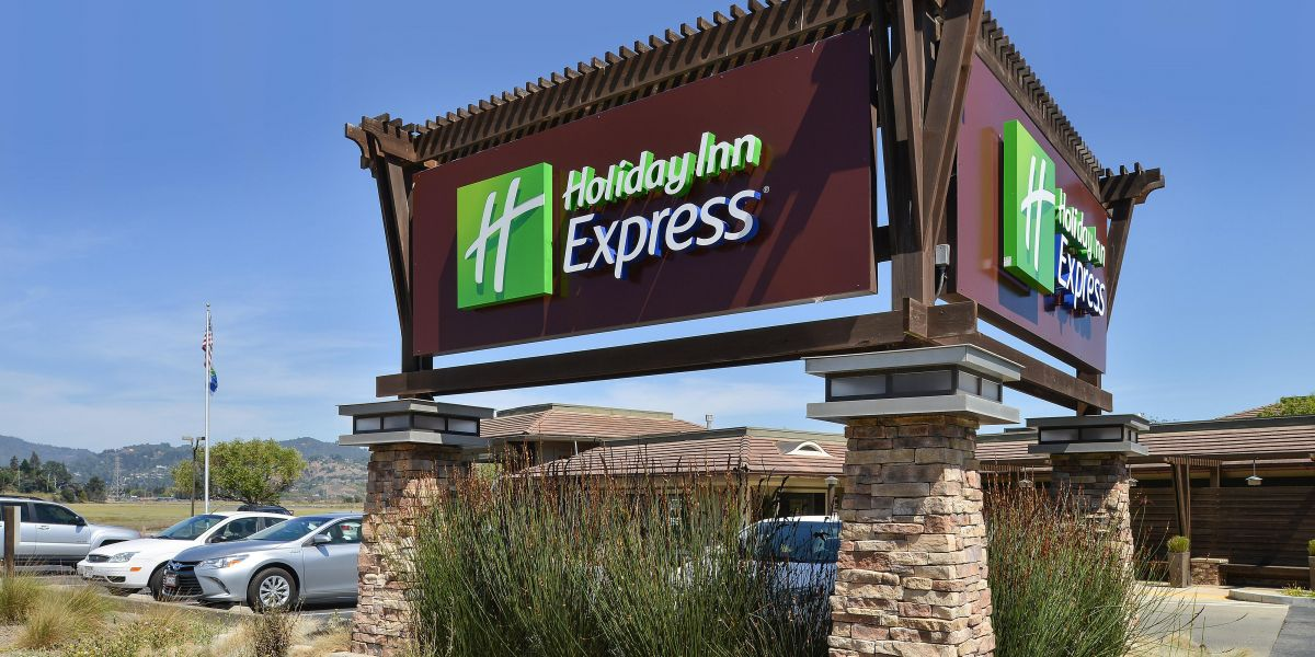 holiday-inn-express-mill-valley-4266819998-2x1